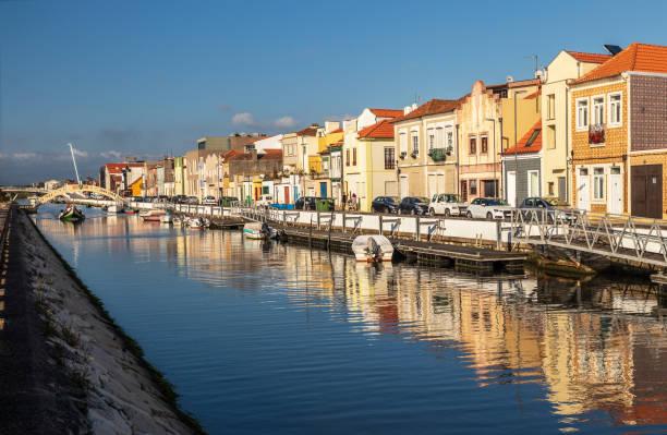 são roque canal in the city of aveiro, portugal. - aveiro imagens e fotografias de stock