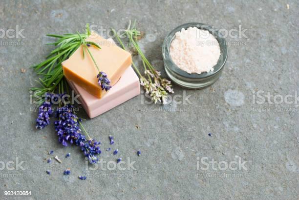 Mydła I Sól Do Kąpieli - zdjęcia stockowe i więcej obrazów Aromaterapia