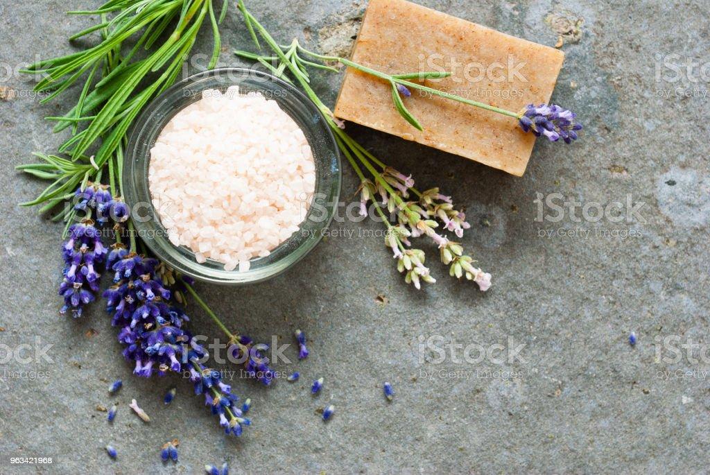 Savons et sels de bain - Photo de Aromathérapie libre de droits