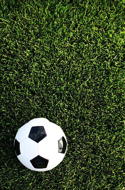 fußball-hintergrund - fußball poster stock-fotos und bilder