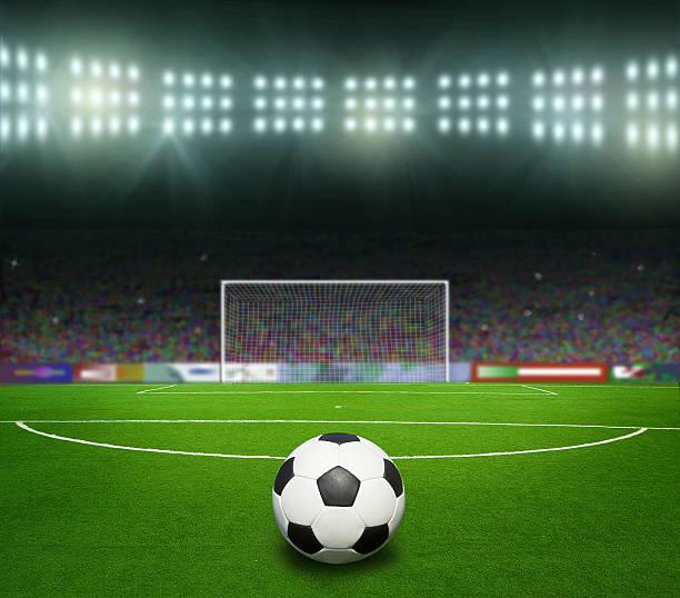 soccer bal.football, - soccer goal stockfoto's en -beelden
