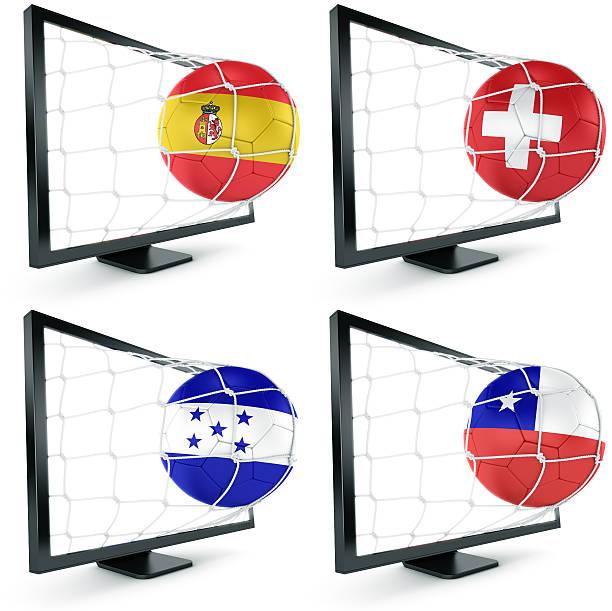 pelota de fútbol salen de monitor - bandera de honduras fotografías e imágenes de stock