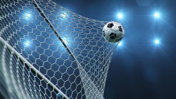 fotbolls bollen flög in i målet. fotboll böjer nätet, mot bakgrund av ljusblixtar. fotboll i goal net på blå bakgrund. ett ögonblick av glädje. 3d-illustration - soccer bildbanksfoton och bilder