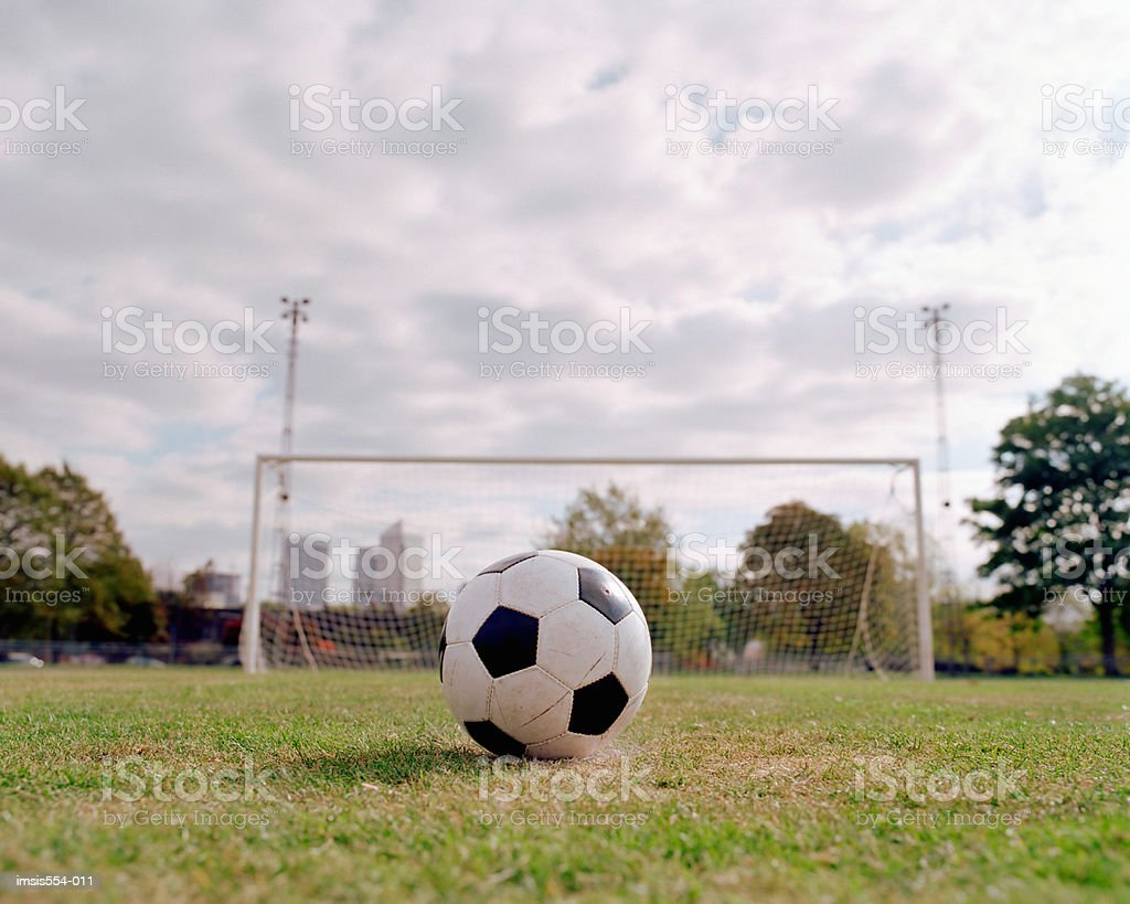 Soccer ball in field foto royalty-free