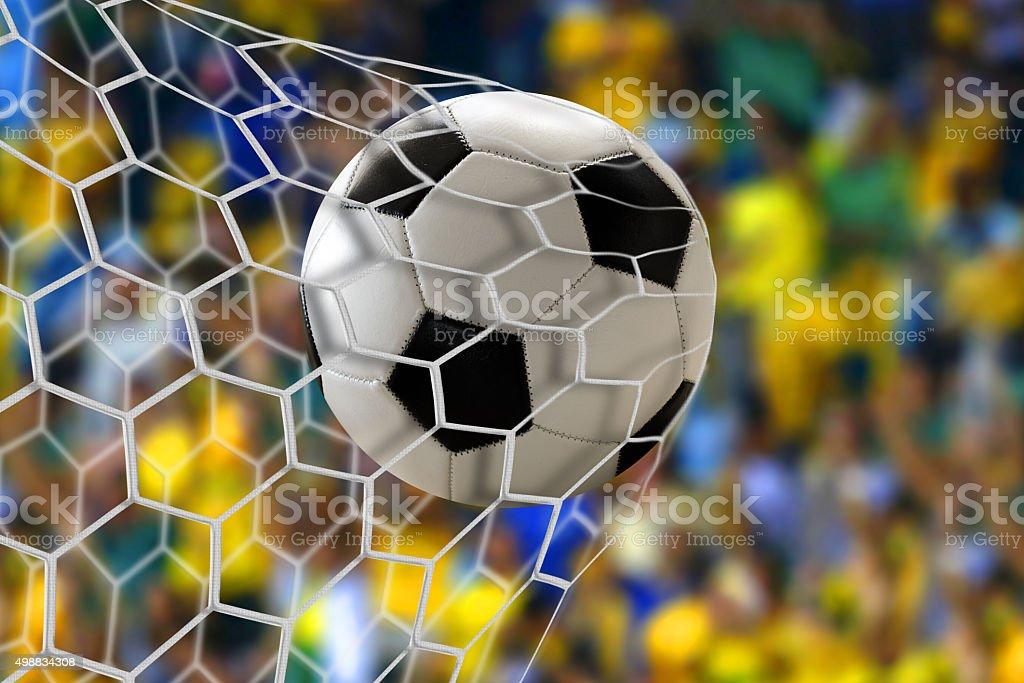 Bola de futebol na Internet - foto de acervo