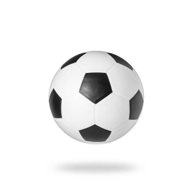 Balón de fútbol estudio tirado y aislado sobre fondo blanco - foto de stock