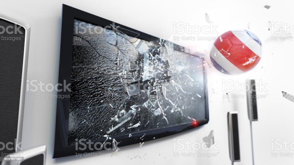 Balón de fútbol con la bandera de Costa Rica comenzó a través de una pantalla de tv rompiendo. (Serie de renderizado 3D) - foto de stock