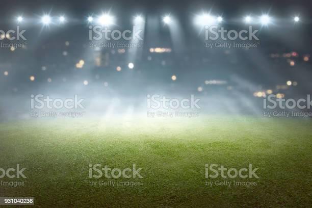 Soccer field with blur spotlight picture id931040236?b=1&k=6&m=931040236&s=612x612&h=gep0yfht8yghvhiog0i3ivnbw8crec5n7xjuyg396oc=