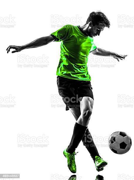 Jugador De Fútbol Fútbol Hombre Joven Driblar Silueta Foto de stock y más banco de imágenes de Adulto