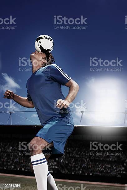 Soccer player heading soccer ball picture id102284254?b=1&k=6&m=102284254&s=612x612&h=pmlogghocmiowjwljx0ivfimxnnwlw yzxt grh00vs=
