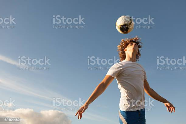 Soccer player heading the ball picture id162404480?b=1&k=6&m=162404480&s=612x612&h=pfssk9rfpjajkc8ue9llst1qbj2j1n631yyhsikcbqw=