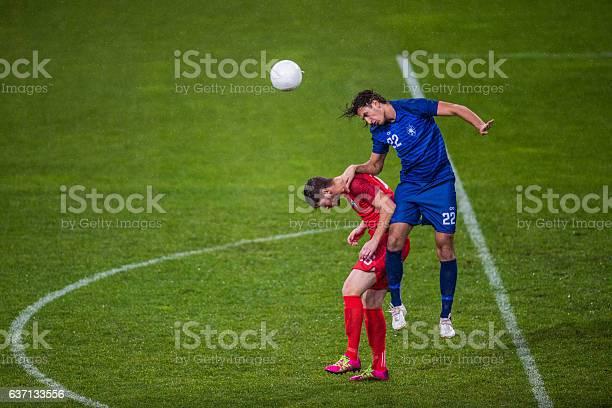Soccer players heading picture id637133556?b=1&k=6&m=637133556&s=612x612&h=m2fgk3n4y45got1pgpc4u2volc y7eh3c8xuvjzflfu=