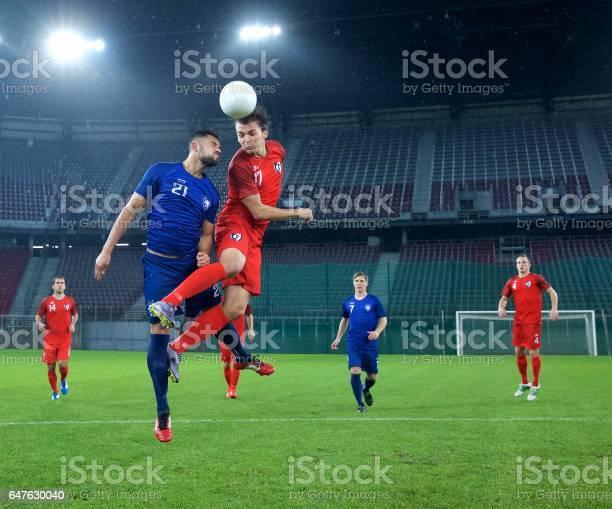 Soccer players heading picture id647630040?b=1&k=6&m=647630040&s=612x612&h=mvq3  nx4ji1pdtg1getj1aaii5vdprvzfbucseonya=