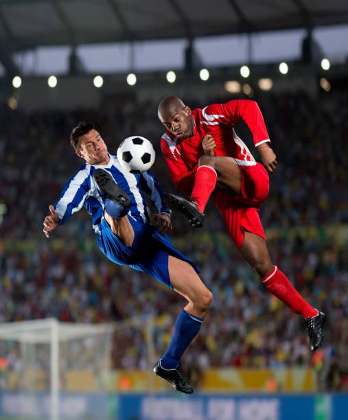 Fußball Spieler in Aktion – Foto