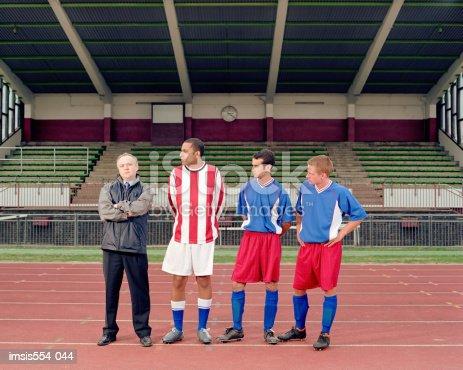 Stadio Giocatori Di Calcio - Fotografie stock e altre immagini di Allenatore