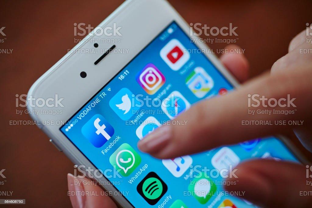 Icone applicazioni di Sociale Media - Foto stock royalty-free di Adulto
