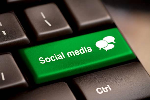 social-media-tastatur - scyther5 stock-fotos und bilder