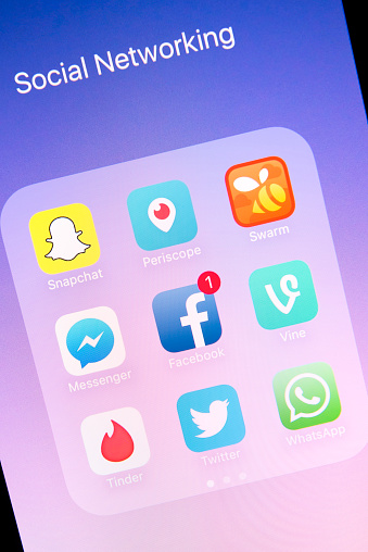Social Networking Apps On Apple Iphone 6s Plus Screen Stock Photo - Download Image Now