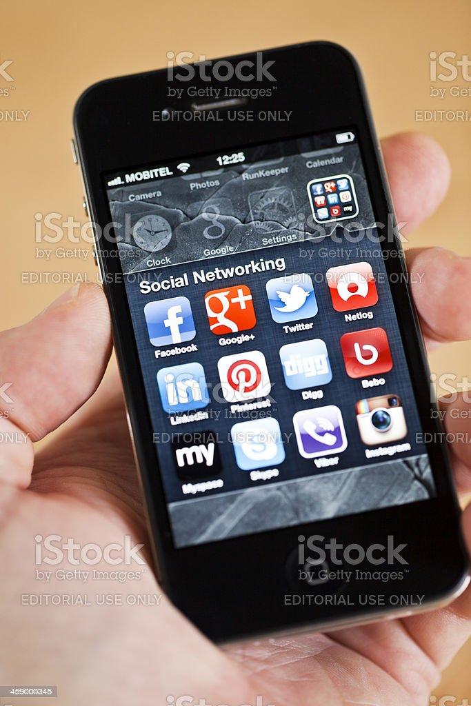 Soziale Netzwerke apps auf iPhone 4 – Foto