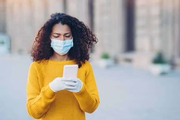 Soziale Netzwerke während der Virusepidemie – Foto