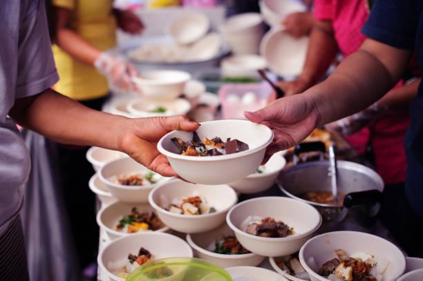Soziale Probleme der Armut durch Ernährung geholfen : Das Konzept der Ernährung der Armen in der Gesellschaft – Foto
