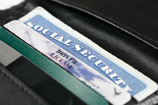 社会保障&内径カード - id盗難 ストックフォトと画像
