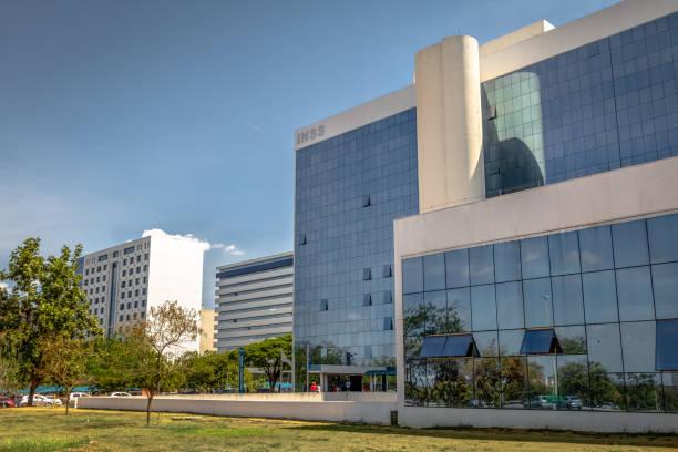 sosyal güvenlik enstitüsü - instituto nacional do seguro sosyal veya previdencia sosyal - inss - brasilia, distrito federal, brezilya - ulusal miras stok fotoğraflar ve resimler