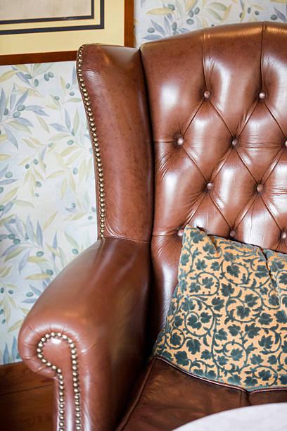 sofa in hotel in rom - oliven wohnzimmer stock-fotos und bilder