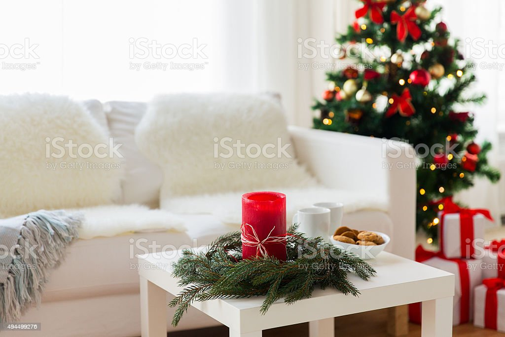 sofa, table and christmas tree with gifts at home - Royalty-free 2015 Stock Photo