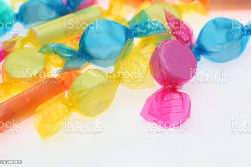 doces macios em um backgorund branco - foto de acervo