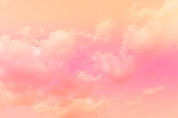 doux nuage fond avec dégradé de couleur - dessin au pastel photos et images de collection