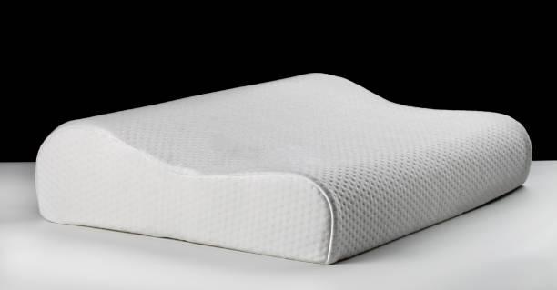 zachte comfortabele rug kussen met gel - sleeping illustration stockfoto's en -beelden