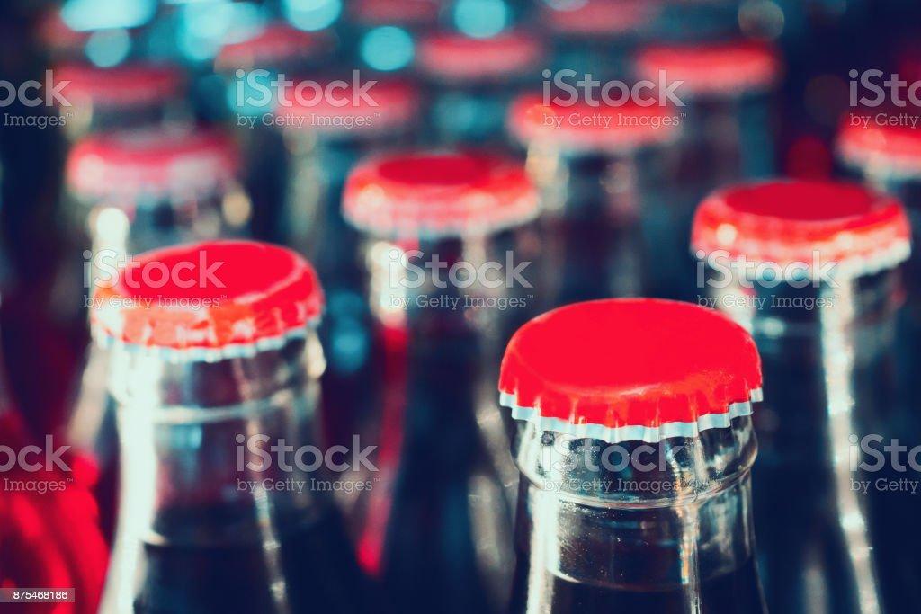 refrescos en botellas de fondo - foto de stock