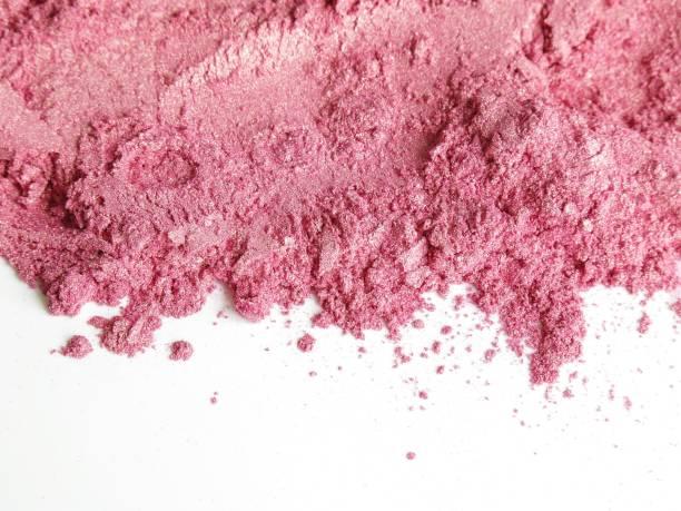 soft pink mica shimmer pigment cosmetic powder - łupek łyszczykowy zdjęcia i obrazy z banku zdjęć