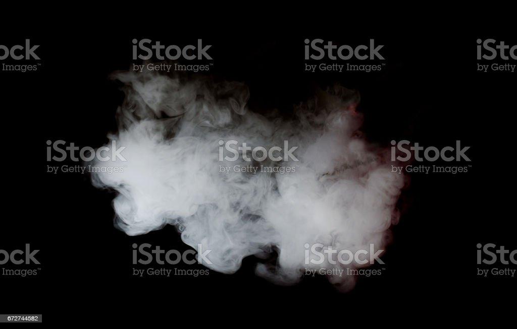 Nuages blancs douces isolés sur une fond noir illustration. Nuage de fumée ou de vape - Photo