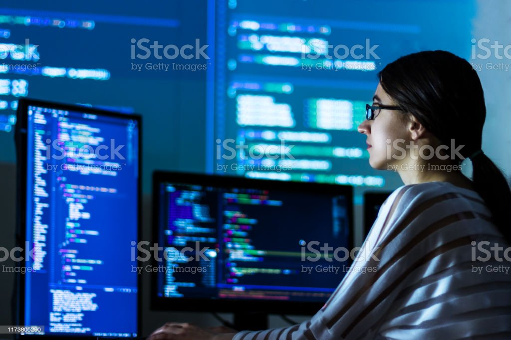 Software developer freelancer woman working at night - Royalty-free Adult Stock Photo