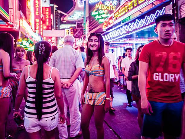Soi Vaqueiro bairro da luz vermelha, Bangcoc Tailândia - foto de acervo