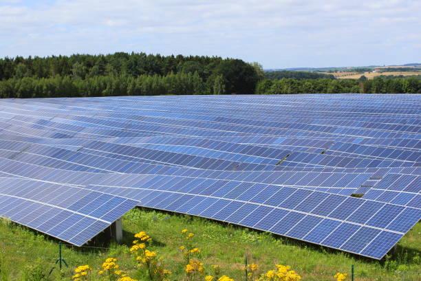 matrizes solares de um sistema fotovoltaico - foto de acervo