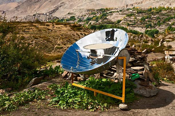 cuiseur solaire - concave photos et images de collection