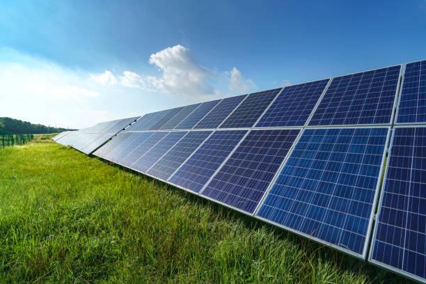 solar energy - pannelli solari foto e immagini stock