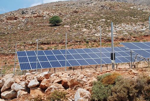 Solar Energy Station Tilos - Fotografie stock e altre immagini di Ambientazione esterna