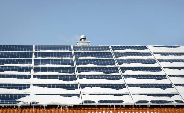 solar in winter - solar panel bildbanksfoton och bilder