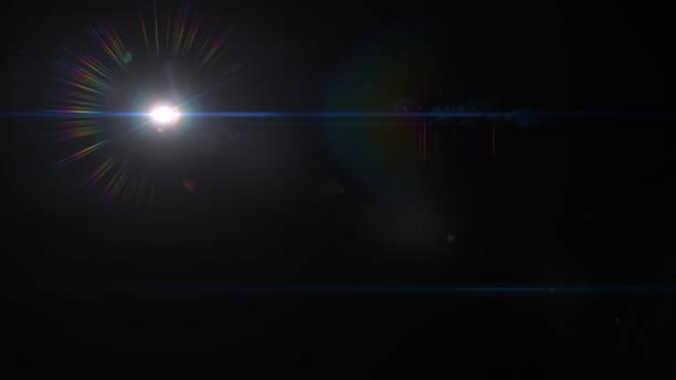 태양 렌즈 플레어 빛 특수 효과에 검정색 배경 - 렌즈 플레어 뉴스 사진 이미지