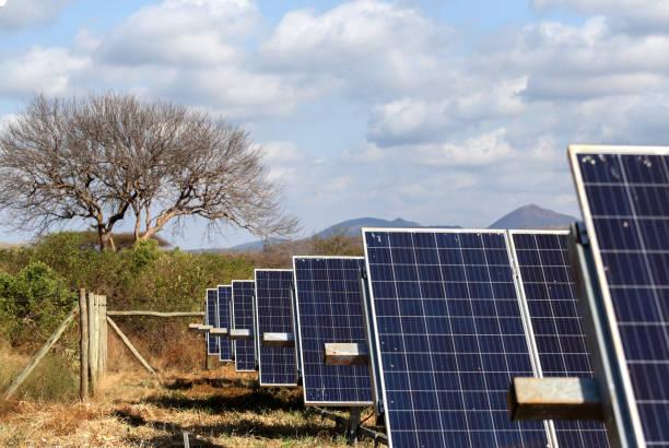 solar-panel in kenia - solarstrom stock-fotos und bilder