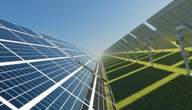 Sonnenkollektoren an einem hellen sonnigen Tag – Foto