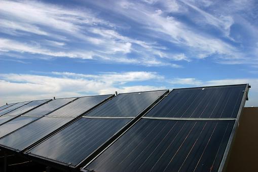 Solar Panels Renewable Energy - zdjęcia stockowe i więcej obrazów Bez ludzi
