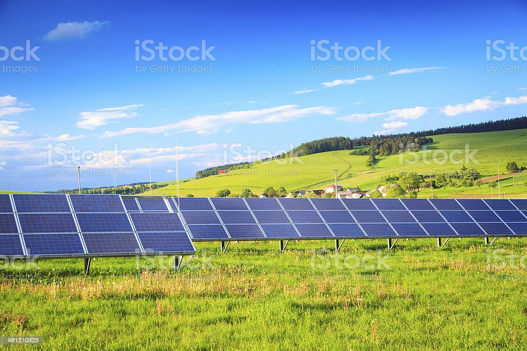 Solar Power Station - Green Landscape XXXL image - Royalty-free Agricultural Field Stock Photo