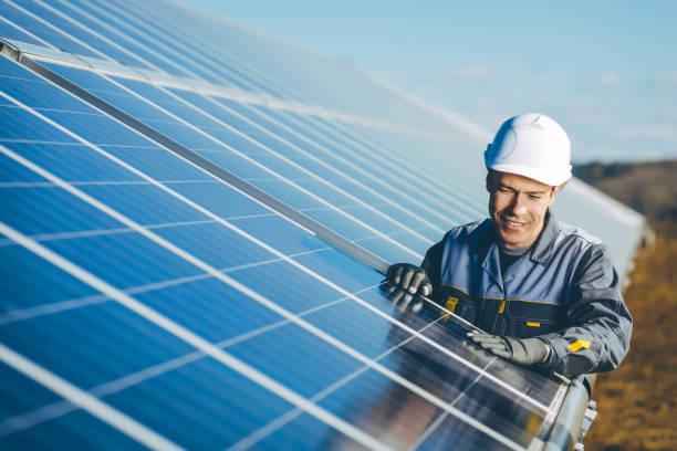 solar power station - energia solare foto e immagini stock
