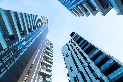 Zonnebanken Toren Stockfoto en meer beelden van Appartement