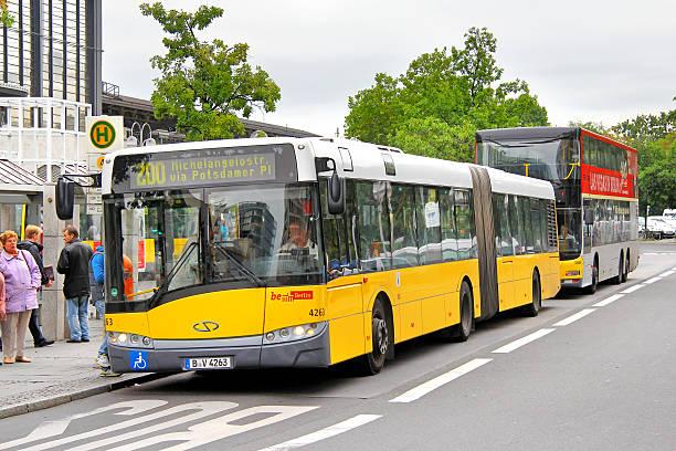 solaris urbino 18 - berlin express stock-fotos und bilder